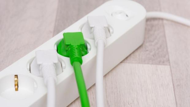 Reinigung und Pflege von Steckdosenleisten